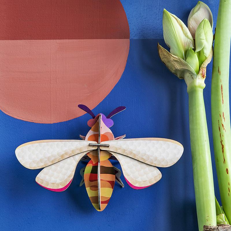 AMODO Berlin Deutschland Germany Studio Roof Paper Toy Bee